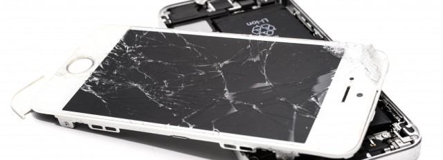 accident-broken-cellphone-1388947.jpg